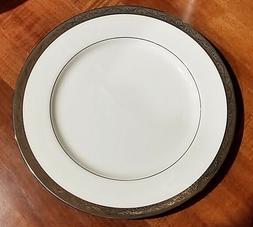 Set of 4 MIKASA CROWN JEWEL-PLATINUM Dinner Plates White Bon